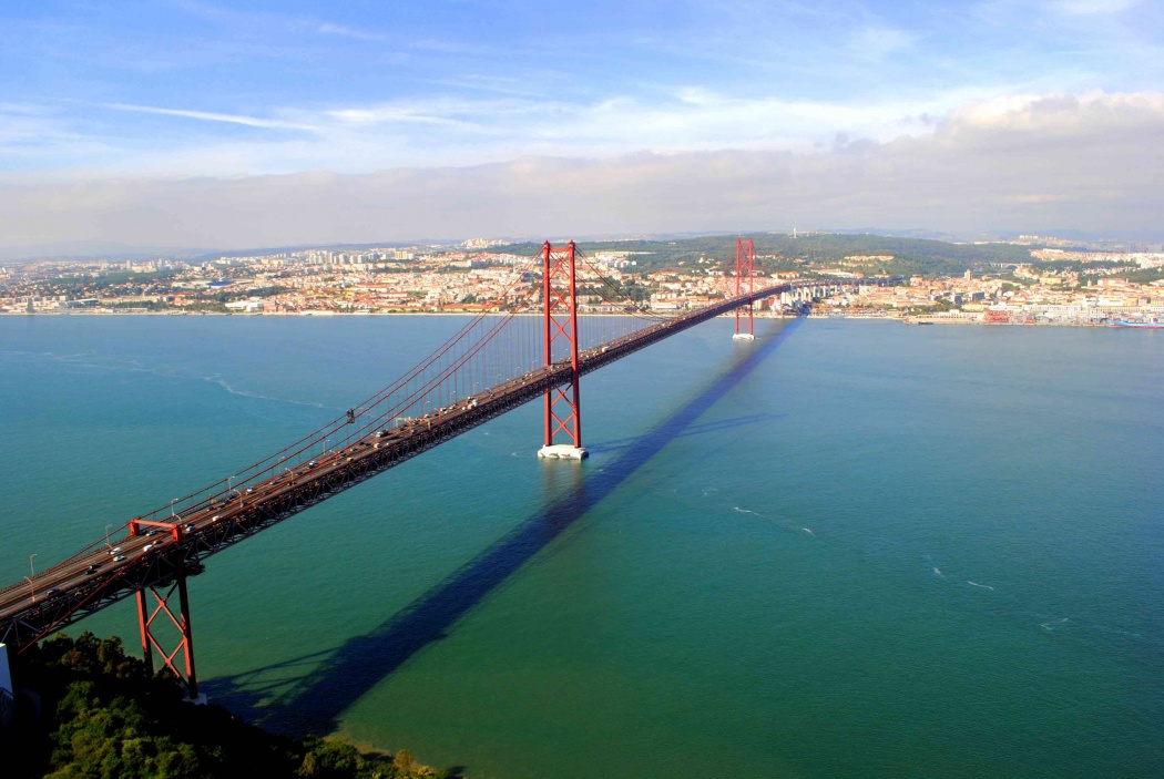 Puente 25 de Abril desde Crito-Rei. Lisboa 2013.