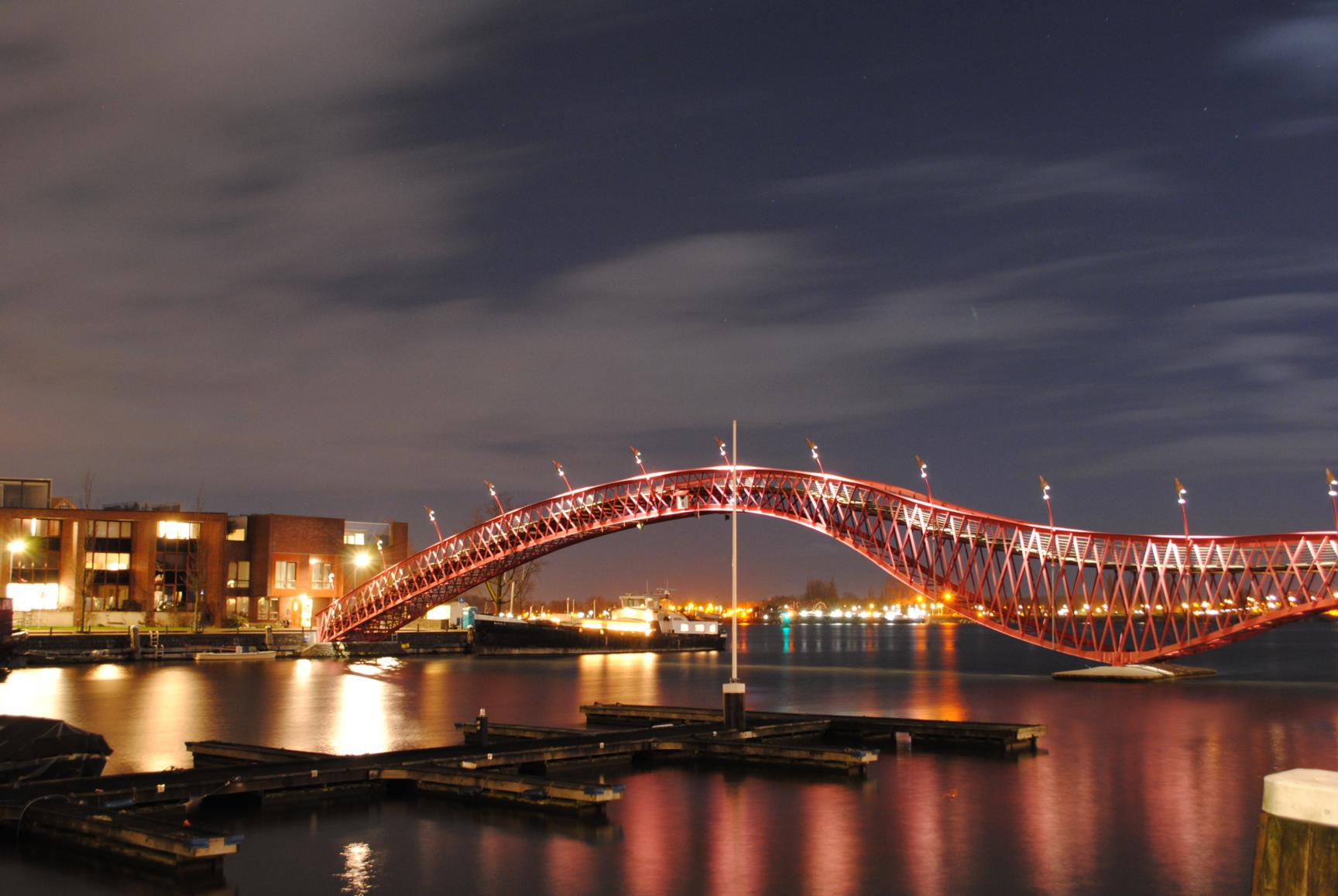 Phyton Bridge,  barrio de Borneo. Amsterdam 2015.