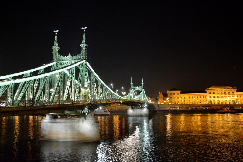 budapest-puente-libertad-noche-1