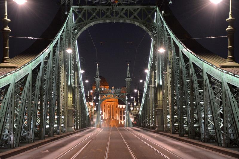 budapest-puente-libertad-noche-4