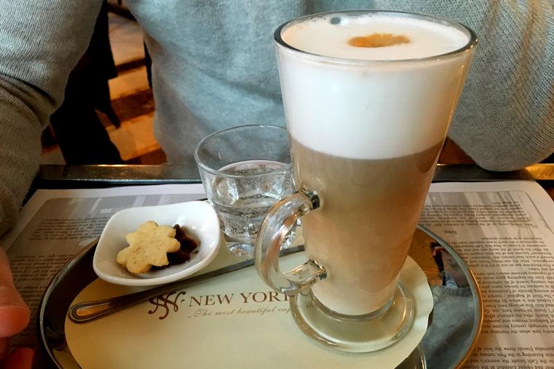que-ver-budapest-new-york-cafe-3