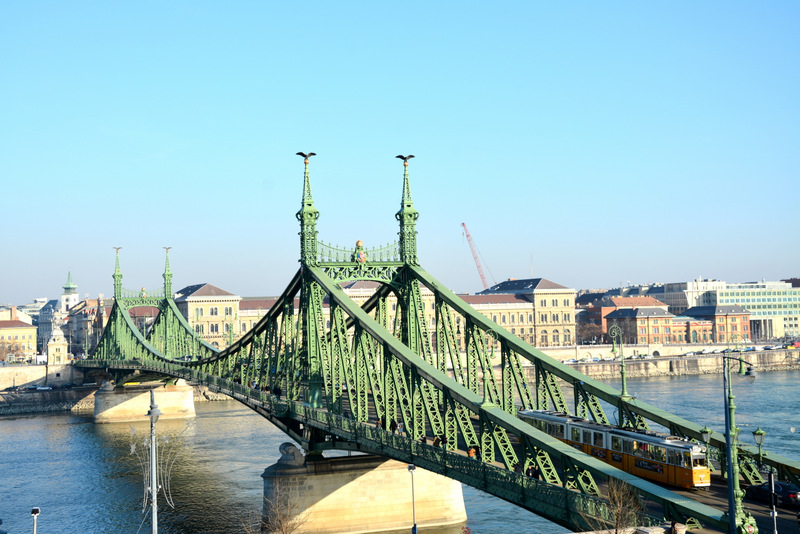 que-ver-budapest-puente-libertdad-1