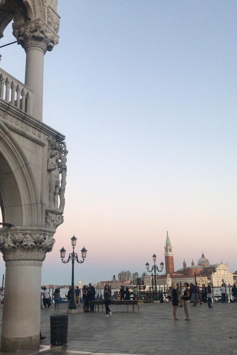 anochecer venecia
