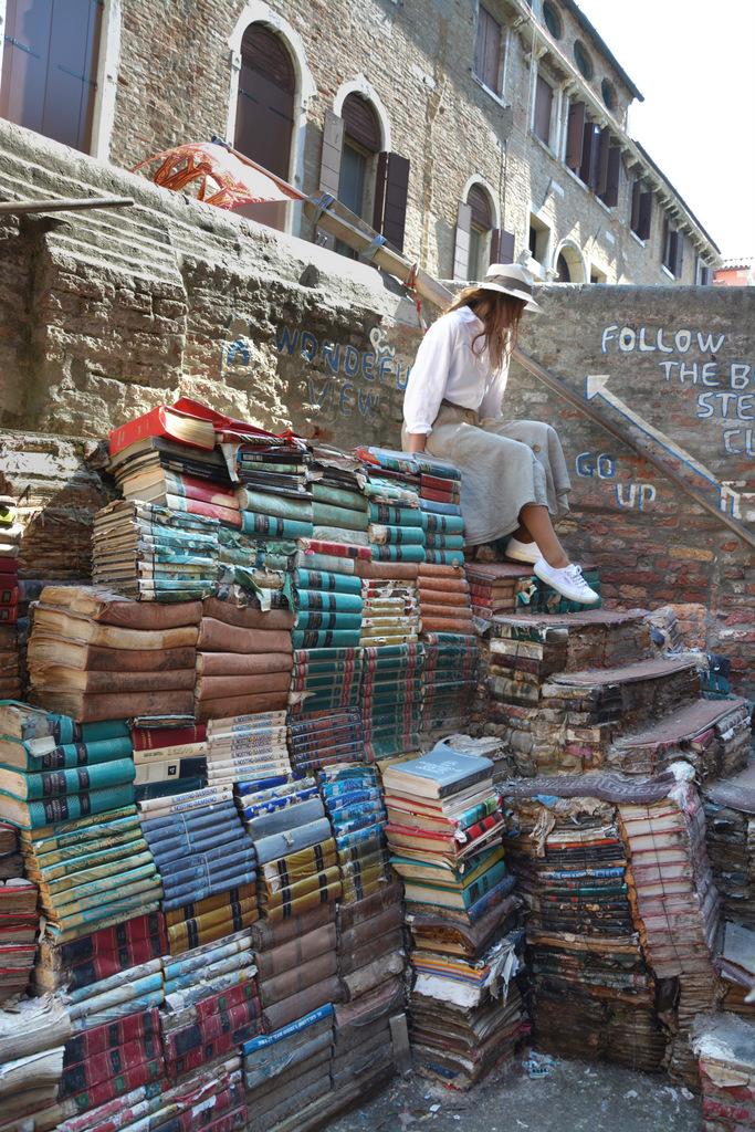 venecia libreria aqcua alta